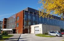 Tartu Ülikooli Kliinikumi erakorralise meditsiini osakonna (EMO) peauks ja parkla