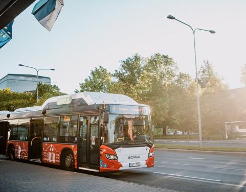 Водители автомобилей могут на неделе мобильности бесплатно ездить в Тарту на автобусах
