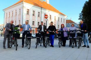 Hiiumaa omavalitsuse esindajad tutvusid Tartu rattaringlusega