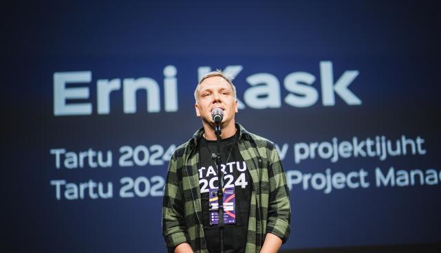 2024. aasta Euroopa kultuuripealinna programmi arendusprotsessi üks eestvedajaid Erni Kask kõnelemas 2019. aasta novembris samuti Tartu 2024 kultuuri- ja haridusprogrammi kuuluval Kultuurikompassi foorumil