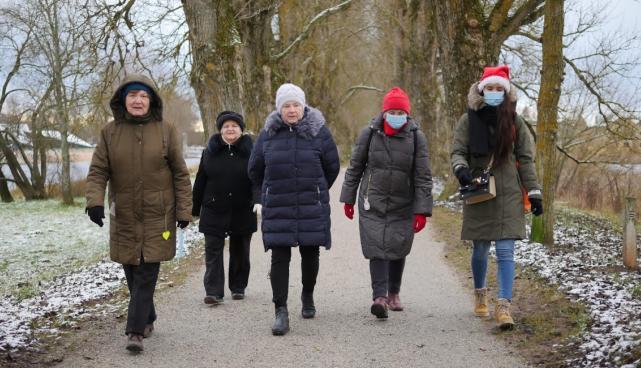 elderly walking groups