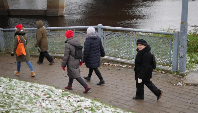 eakad kõndimas