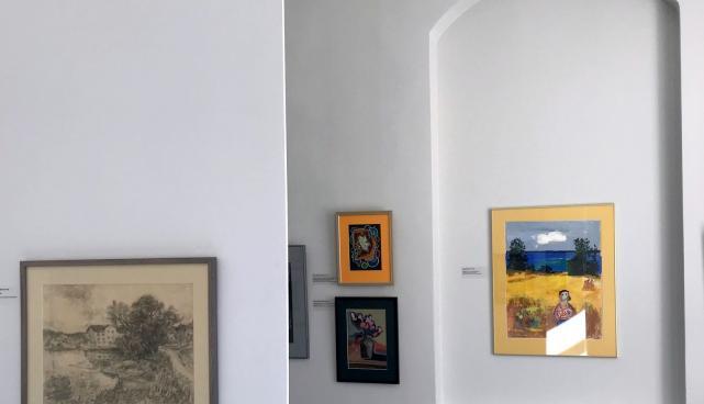 vaade näitusesaali