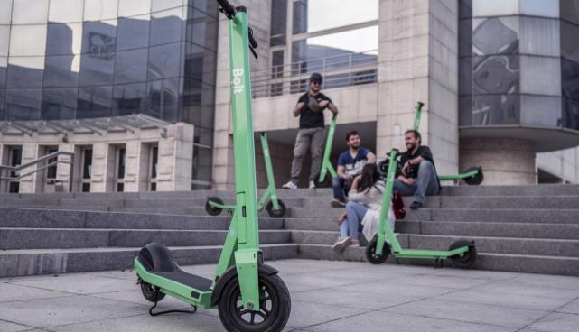 Bolt scooter