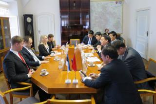 Ningbo delegatsioon Tartus
