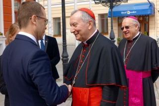 Vatikani riigisekretär kardinal Pietro Parolin Tartus