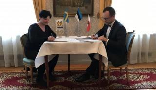 Tartu linnapea Urmas Klaas ja Uppsala linnapea Marlene Burwick allkirjastavad koostööprotokolli aastateks 2017-2018.