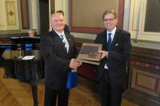Abilinnapea Madis Lepajõe ja Tampere linnapea Lauri Lyly Tamperes Eesti 100 pidustustel.