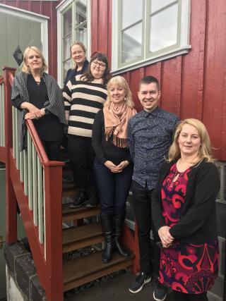 Koos Reykjaviki ja Hafnarfjörduri võõrustajategaReykjavikis Gröndalshusis. VasakultKristín Viðarsdóttir, Marleen Viidul, Kristiina Avik, Külli Hansen,Andri Ómarsson,Lára Aðalsteinsdóttir.