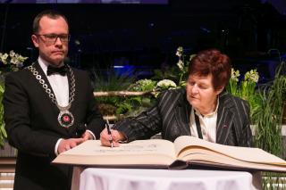 Kirjandusteadlane Rutt Hinrikus saab Tartu aukodaniku tiitli. Foto: Jaak Nilson
