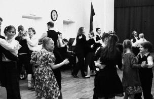 """Folklooriklubi Maatasa poolt korraldatud """"Teemapidu 1918"""" 23. veebruaril 2018 Tiigi seltsimajas. Korraldaja: Maatasa."""