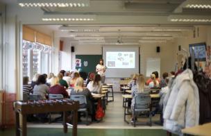 """Tartu Kivilinna Koolis 2018. aastal toimunud koolitus """"Ühisõpetamine ja avatud õpperuumi kasutamine"""". Koolitasid Anne Orav ja Taimi Ruusmäe."""