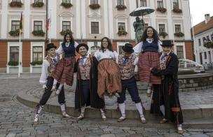Näituse 'Eesti meie südametes' kuraatorid
