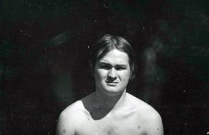 "Jaan Klõšeiko. Leonhard Lapin at the magazine ""Youth"" summer days in 1969. Photo collection of the Art Museum of Estonia FK 355:8"